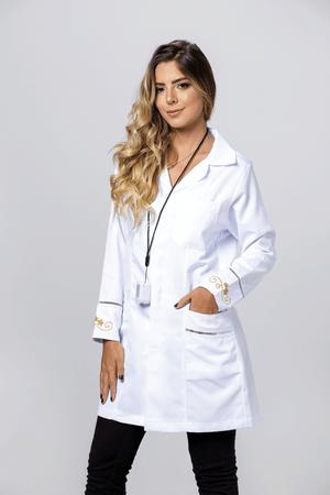 Jaleco Feminino Microfibra Gabardine com Renda Palito e Bordado